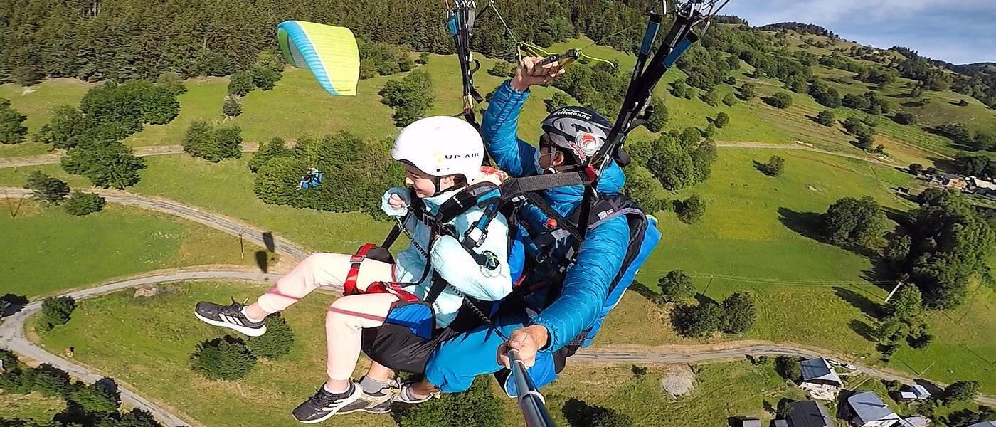 Paragliding mountain view